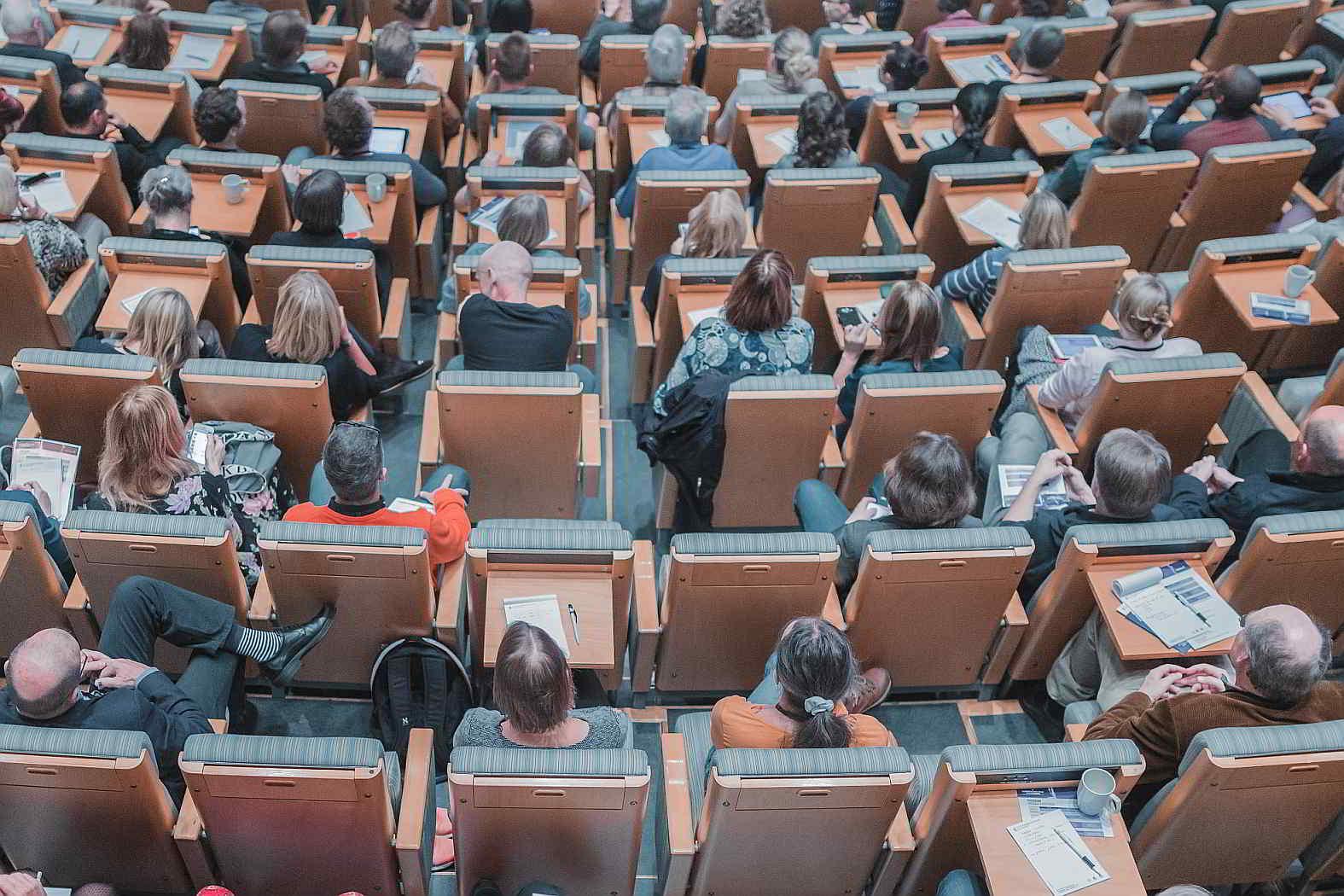 Cátedra universitaria Auditorio Clases